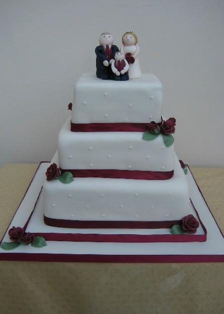 Burgundy Rose Square Wedding Cake Ic049
